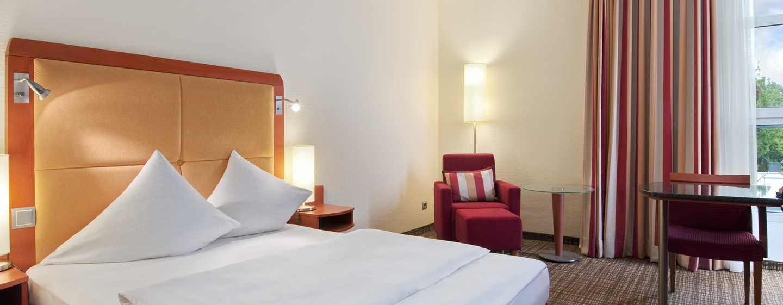 Hilton Nuremberg– Plus Zimmer mit Queensize-Bett