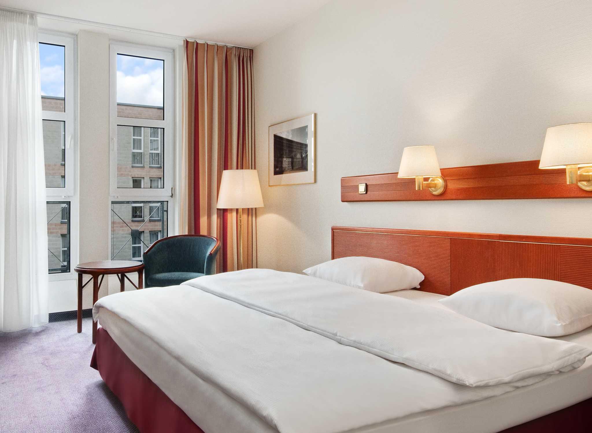 Hilton nuremberg hotel hotel n rnberg am lorenzer wald for Nurnberg hotel