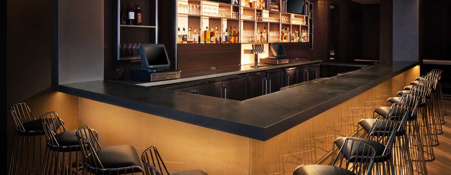 Hilton Brooklyn New York Hotel, USA – Black Walnut Bar