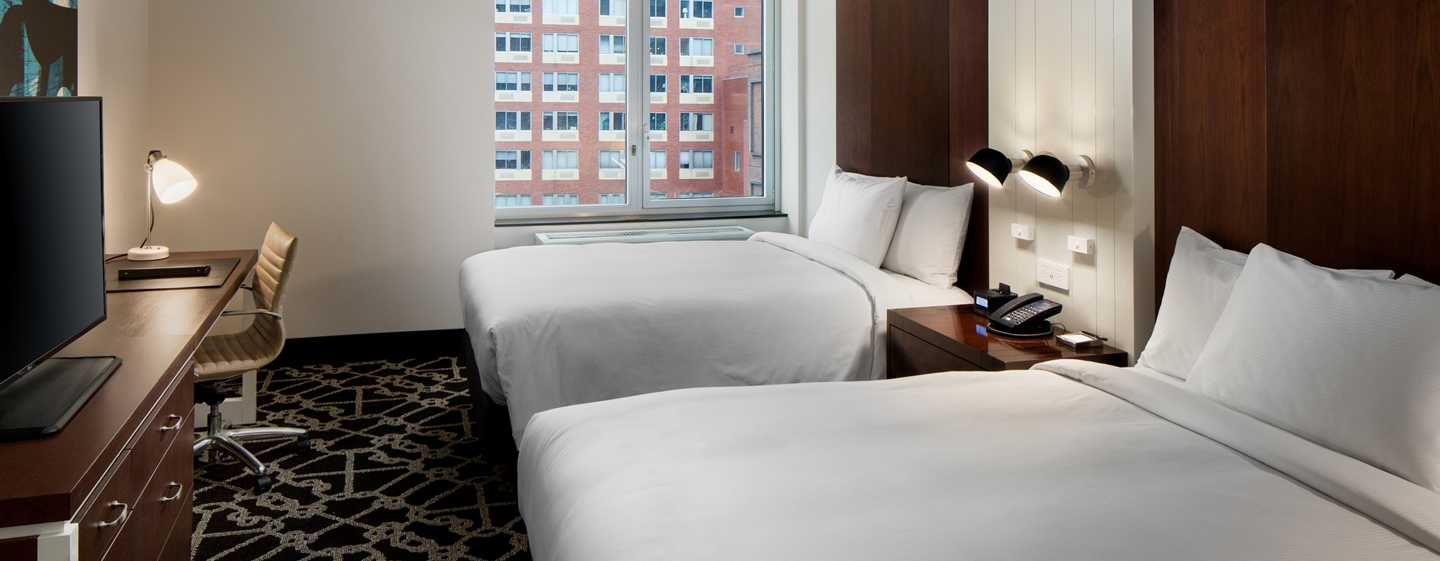 Hilton Brooklyn New York, USA – Standardzimmer mit Queensize-Bett