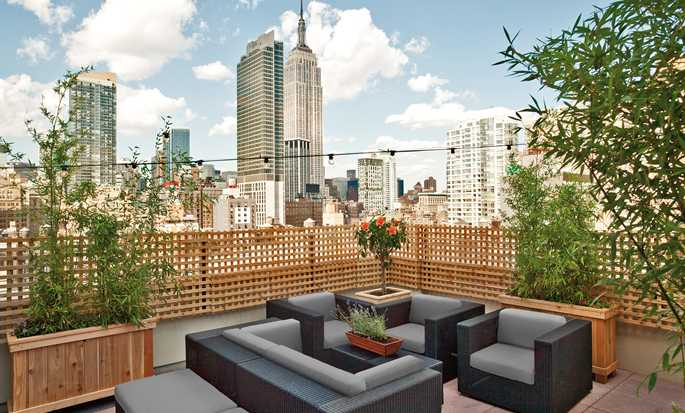 Hilton New York Fashion District hotel - Roof Top Lounge