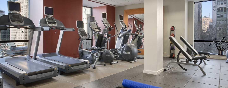Ihrem gewohnten Training können Sie im gut ausgestatteten Fitness Center des Hotels nachgehen