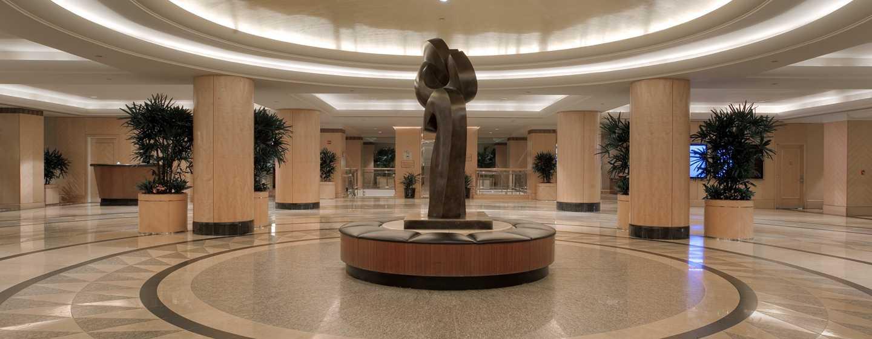 New york hilton midtown hotels unweit des time squares im prungvollen eingangsbereich des hotels werden sie herzlich begrt lobby im new york hilton midtown sciox Image collections