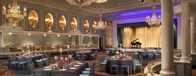 Elegante geschäftliche Treffen oder private Feiern werden im New York Hilton Midtown ein voller Erfolg