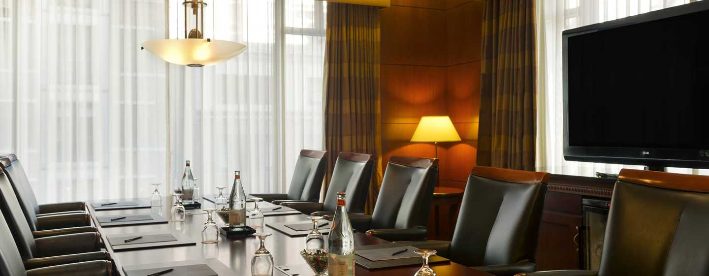 Hilton Chicago/Magnificent Mile Suites Hotel, USA – Boardroom