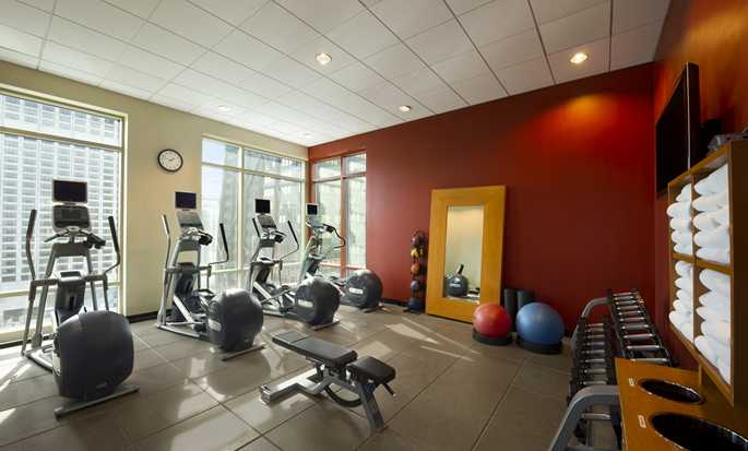 Hilton Chicago/Magnificent Mile Suites Hotel, USA – Fitnesscenter