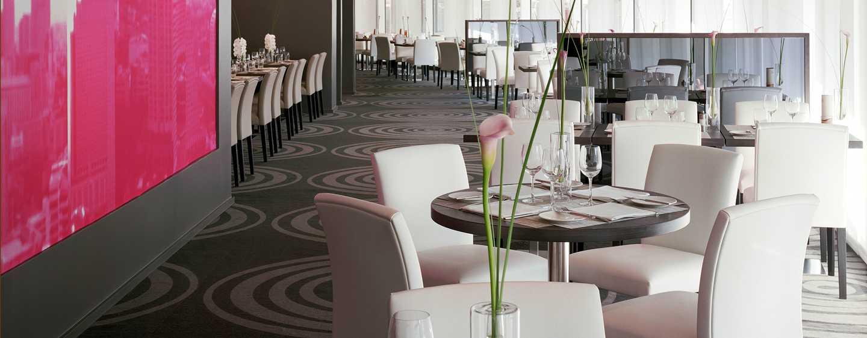 """Hilton Paris La Defense Hotel, Frankreich – Restaurant """"Côté Parvis"""""""