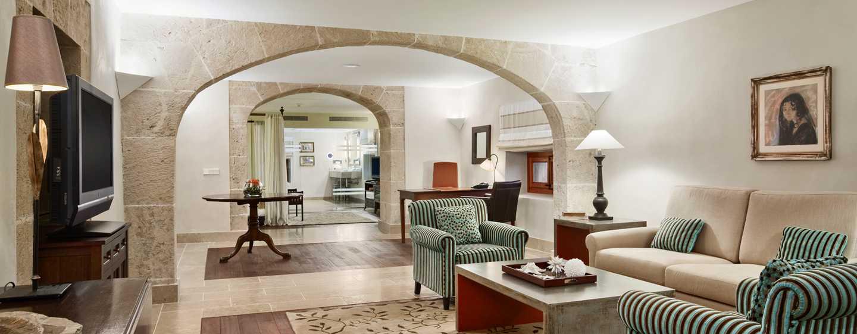 Hilton Sa Torre Mallorca Resort, Spanien – Suite mit einem Schlafzimmer und King-Size-Bett