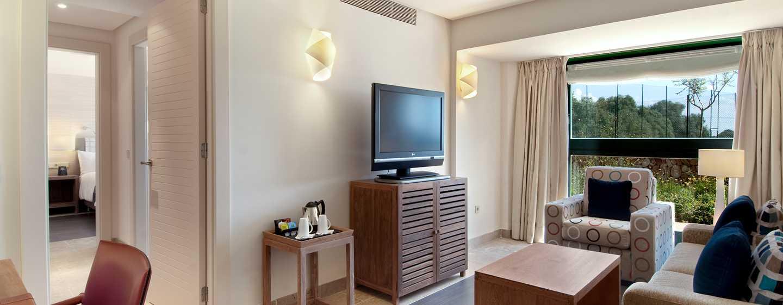 Hilton Sa Torre Mallorca Resort, Spanien – Suite mit King-Size-Bett