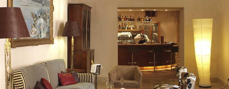 "Hilton Sa Torre Mallorca Resort, Spanien – Bar ""Sa Clastra"""