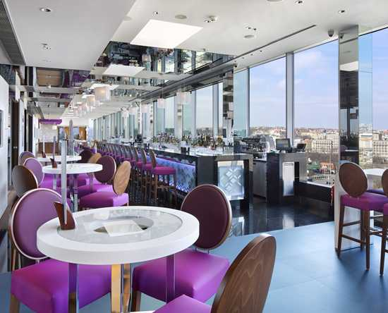 Sky Bar und Lounge Cloud 9