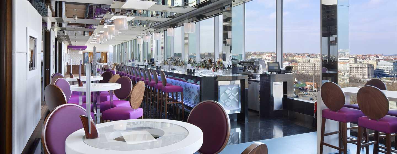 Hilton Prague Hotel, Tschechien– Cloud 9 Sky Bar & Lounge