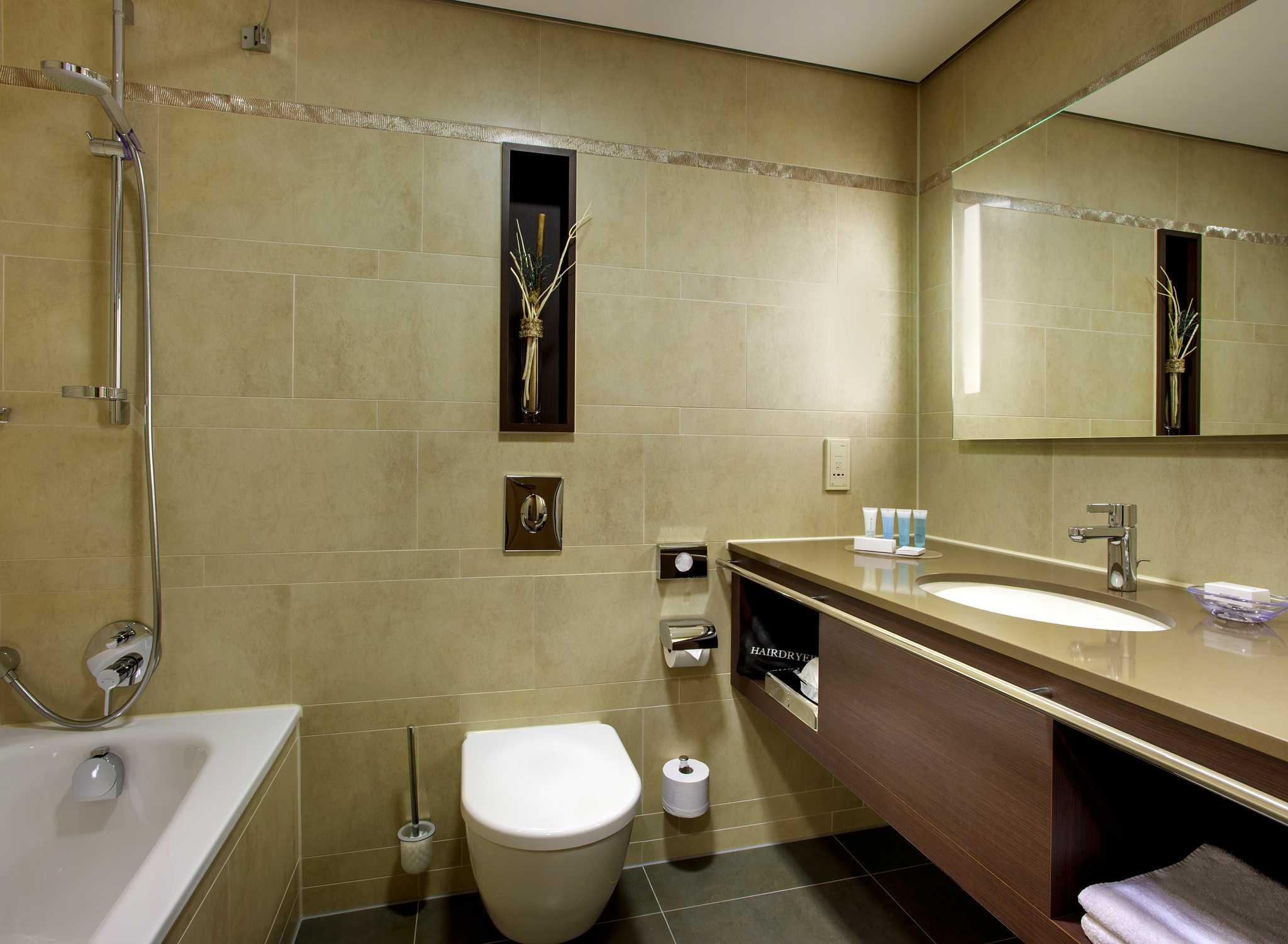 hilton mainz hotel am rheinufer nahe der altstadt. Black Bedroom Furniture Sets. Home Design Ideas