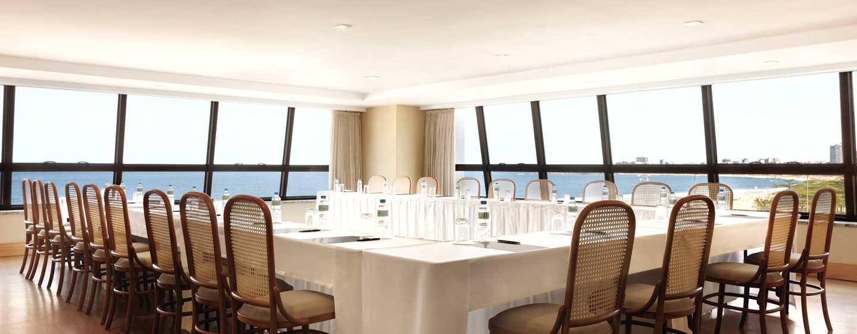 Hilton Rio de Janeiro Copacabana Hotel, Brasilien– Meetingraum mit Meerblick