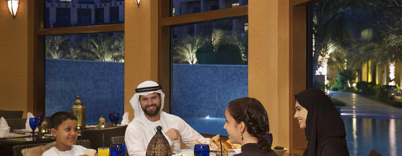 Hilton Ras Al Khaimah Resort & Spa Hotel, VAE– Abendessen mit der Familie