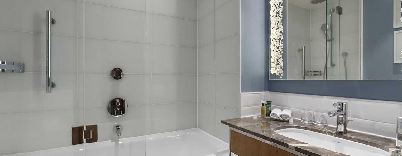 Hilton Rotterdam hotel, Netherlands - Executive Twin Bathroom