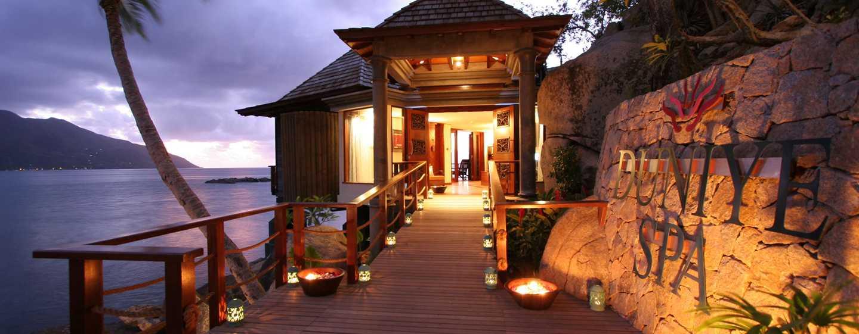 Hilton Seychelles Northolme Resort and Spa – Außenansicht des Spa bei Nacht