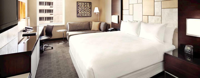 Hilton San Francisco Union Square Hotel, Kalifornien, USA– Zimmer mit King-Size-Bett