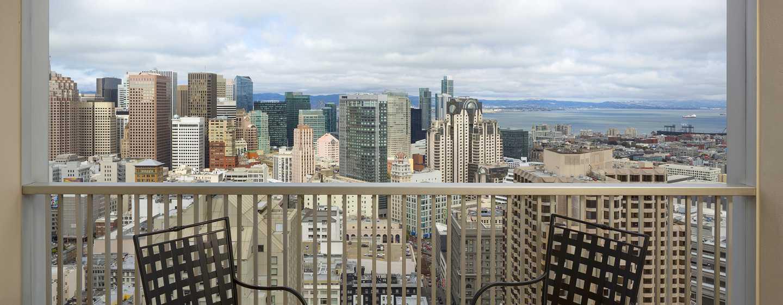 Hilton San Francisco Union Square Hotel, Kalifornien, USA– Zimmer mit Blick auf die Skyline und die Bucht