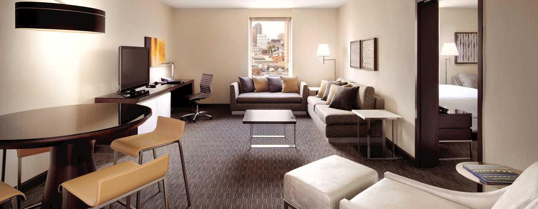 Hilton San Francisco Union Square Hotel, Kalifornien, USA– Suite mit Wohnzimmer