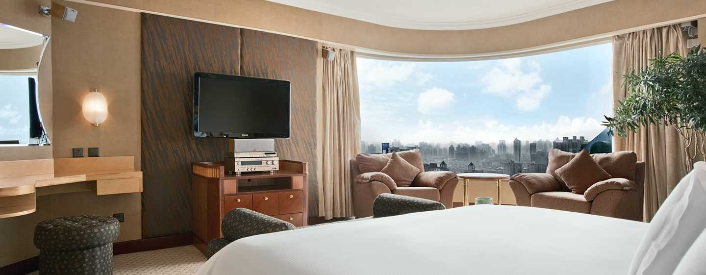 Hilton Shanghai Hotel – Executive Panorama Suite