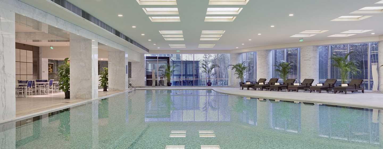 Hilton Shanghai Hongqiao Hotel – Innenpool