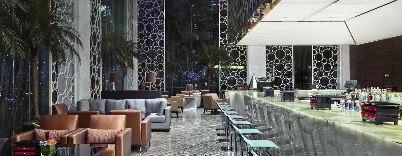 Hilton Shanghai Hongqiao Hotel– Pulse Bar und Lounge