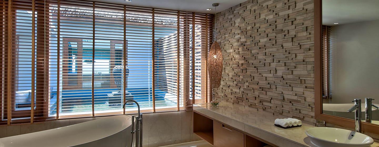 Hilton Ngapali Resort & Spa Hotel, Myanmar– Badezimmer der Villa mit Meerblick