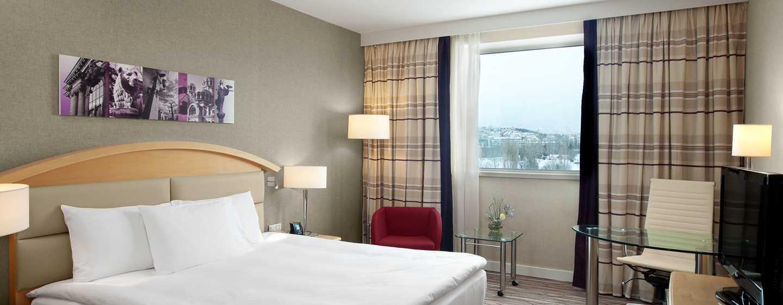 Hilton Sofia Hotel, Bulgarien– Hilton Deluxe Zimmer mit Kingsize-Bett