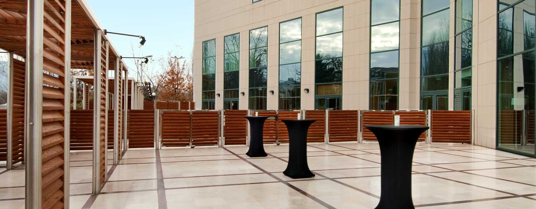 Hilton Sofia Hotel, Bulgarien– Sommerterrasse South Park