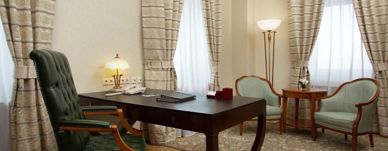 Hilton Moscow Leningradskaya Hotel, Russland– Ambassador Suite