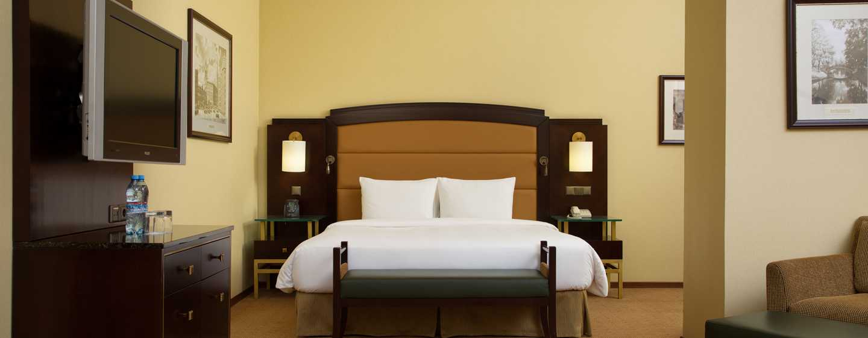Hilton Moscow Leningradskaya, Russland– Eck-Suite mit Kingsize-Bett