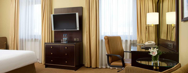 Hilton Moscow Leningradskaya Hotel, Russland – Hilton Executive Zimmer mit Kingsize-Bett