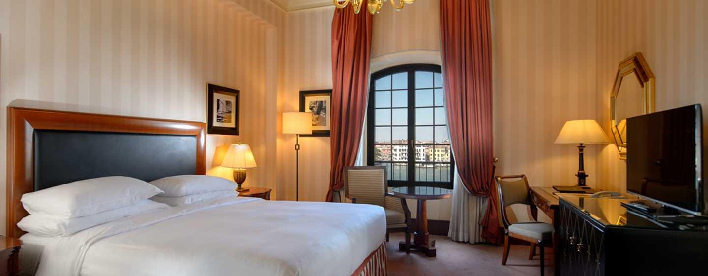 Hilton Molino Stucky Venice Hotel, Italien– Executive Zimmer mit Kingsize-Bett und Ausblick