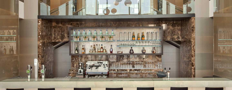 Hilton Vienna Danube Waterfront, Österreich - Pier 269 Bar & Lounge