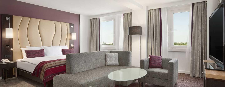 Hilton Vienna Danube Waterfront Hotel, Österreich – HILTON SUITE AM FLUSSUFER