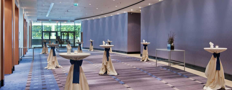 Hilton Vienna Hotel, Wien, Österreich– Empfangshof
