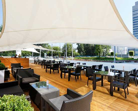 Hilton Warsaw Hotel and Convention Centre Hotel – Bar und Grill Piazza