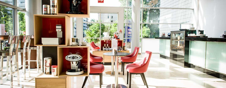 Hilton Warsaw Hotel and Convention Centre Hotel– Café