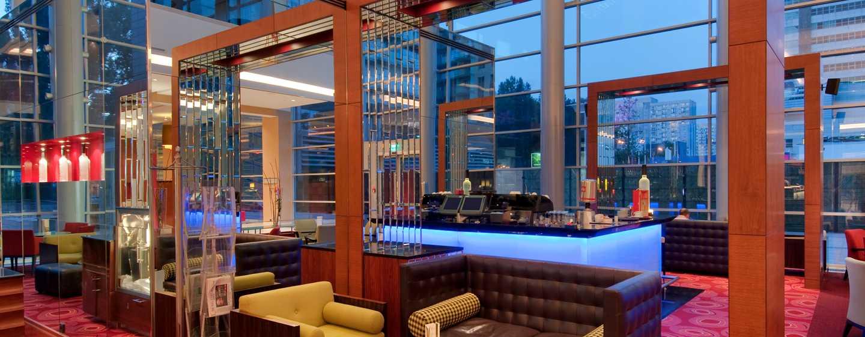 Hilton Warsaw Hotel and Convention Centre Hotel– Lobby-Bar Pistaccio
