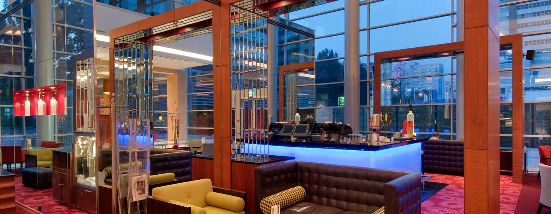 Hilton Warsaw Hotel and Convention Centre– Lobby-Bar und Lounge Pistaccio