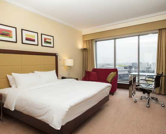 Hilton Warsaw Hotel and Convention Centre Hotel – Zimmer mit King-Size-Bett