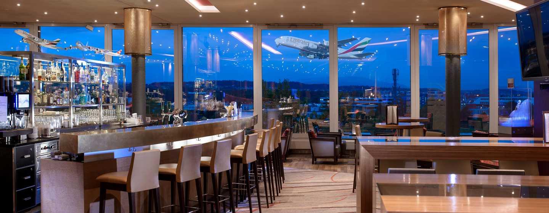 Hilton Zurich Airport Hotel, Schweiz– Lobby-Bar Horizon10