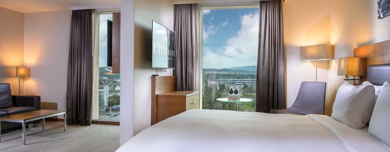 Hilton Zurich Airport Hotel, Schweiz– Junior Suite mit Queensize-Bett