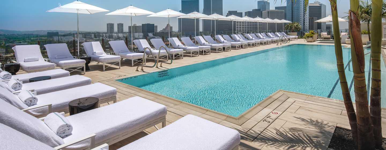 Waldorf Astoria Beverly Hills, Kalifornien, USA– Swimmingpool