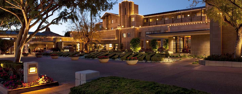 Arizona Biltmore, a Waldorf Astoria Resort Hotel, USA– Außenansicht bei Nacht