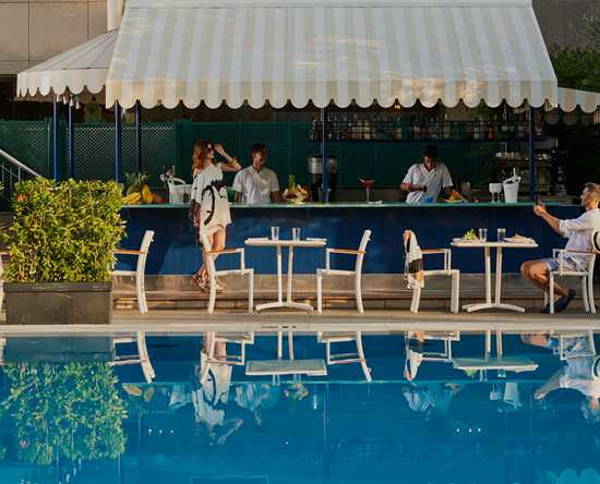 Rome Cavalieri, Waldorf Astoria Hotels & Resorts, Italien – Poolbar
