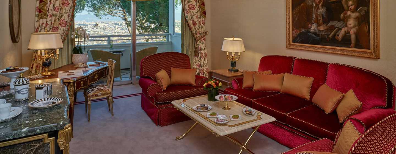 Rome Cavalieri, Waldorf Astoria Hotels& Resorts, Italien– Eck-Suite– Wohnzimmer