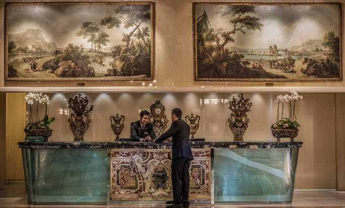 Rome Cavalieri, Waldorf Astoria Hotels & Resorts, Italien – Concierge Desk