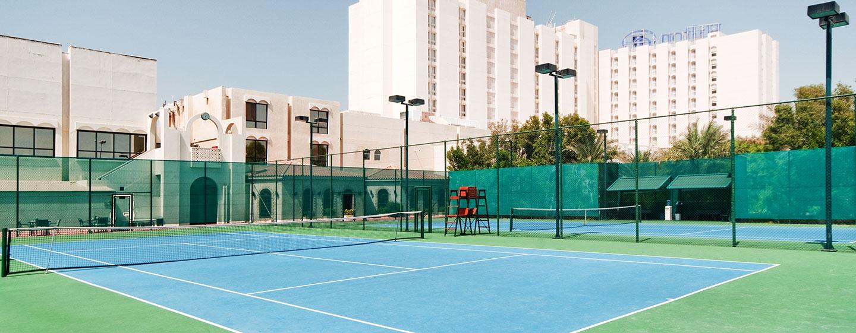 Sportliche Abwechslung bieten Ihnen die hoteleigenen Tennisplätze